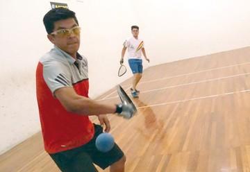 Raquetas en competencia