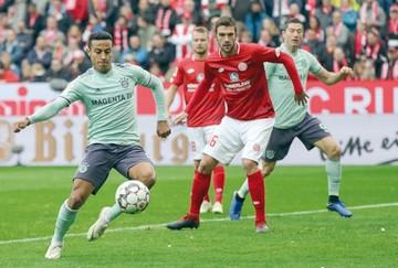 Bayern se acerca  al líder Dortmund en la Bundesliga