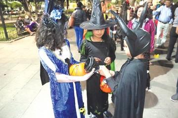 Sucrenses se alistan para el Halloween