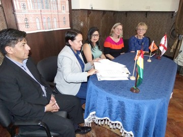 Firman convenio para  promocionar el turismo