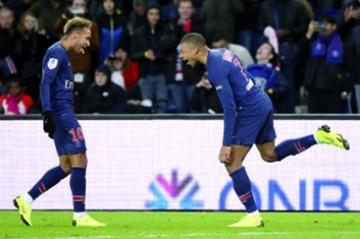 Mbappe y Neymar llevan al PSG a un nuevo triunfo