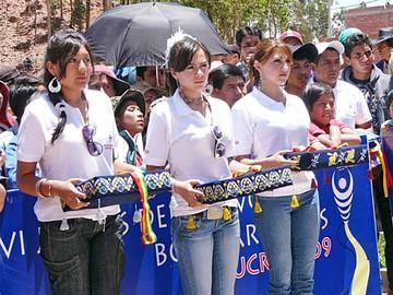 Bolivarianos ¿y la socialización?