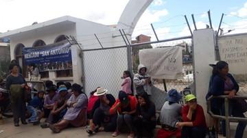 Comerciantes bloquean ingreso a la Alcaldía en Yurac Yurac
