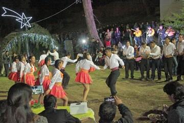 Empiezan preparativos  navideños en municipios
