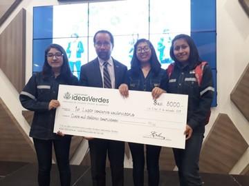 """Cuatro estudiantes ganan  concurso de """"ideas verdes"""""""