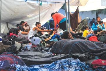 Hostilidad apremia a migrantes