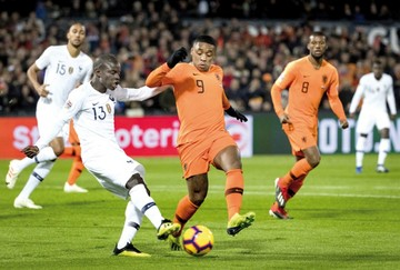 Holanda en busca  de la final en la Liga