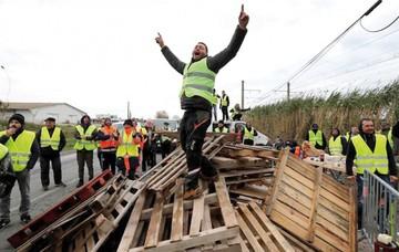 Protestas contra Macron dejan cientos de heridos