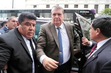 Perú intenta evitar el asilo de Alan García