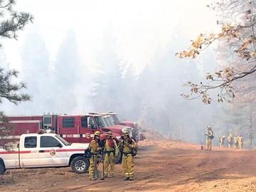 California: Esperan lluvia para extinguir incendios