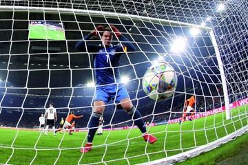 Holanda perdía 2-0 y en el final empató a Alemania