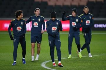 Brasil se mide en otra prueba frente a Camerún