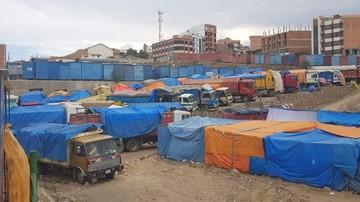 Comerciantes de El Morro mantienen bloqueo en la avenida Marcelo Quiroga