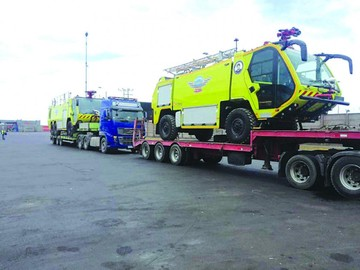Llegan carros bomberos  para equipar Alcantarí