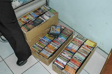 Venta de CD piratas  Un negocio que crece con el tiempo