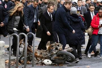"""Macron busca una reunión con """"chalecos amarillos"""""""