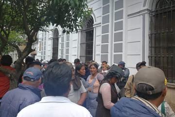 Comerciantes de fruta piden reordenamiento del mercado El Morro