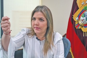 Dimite la vicepresidenta María Alejandra Vicuña
