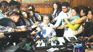 Tellería releva a Leyes en Alcaldía de Cochabamba
