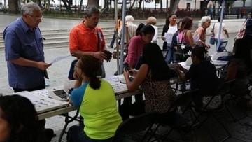 Venezolanos eligen autoridades municipales