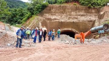 ¿Cómo están las obras  en la carretera y el túnel de Incahuasi?