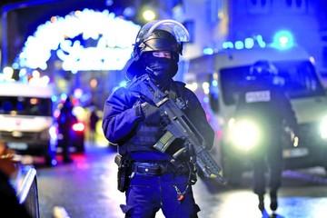 Ataque armado en Francia deja al menos tres muertos