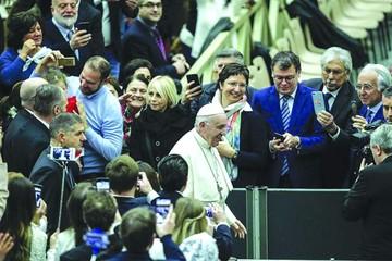 "El Papa advierte contra promesas de ""seudoprogreso"""