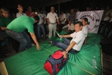 Cívicos cruceños se suman a huelga de hambre nacional para exigir respeto al 21F