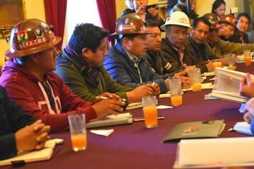 COB rechaza reglamento del segundo aguinaldo y da plazo de 72 horas para anularlo