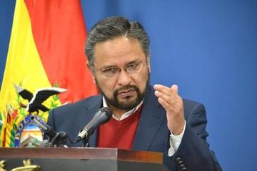 """Ministro Rada ve """"equivocada"""" la posición de la COB sobre segundo aguinaldo"""