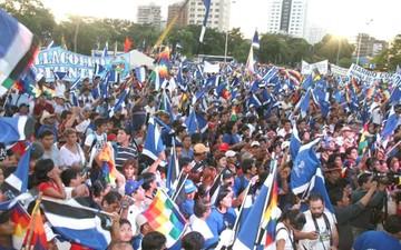 MAS celebra 13 años de la elección de su binomio Evo-Álvaro