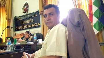 Esteban Urquizu solicita otra vez  licencia por salud