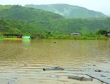 Las inundaciones dejan sin techo a familias en Tipuani