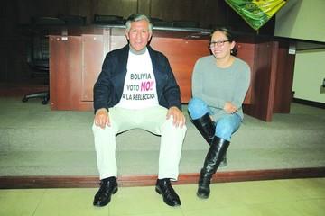 Ex fiscal general Gareca inicia huelga por el 21F
