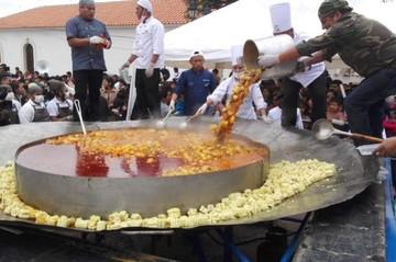 """Más de 2.500 comensales degustaron del """"plato de picana más grande del mundo"""""""