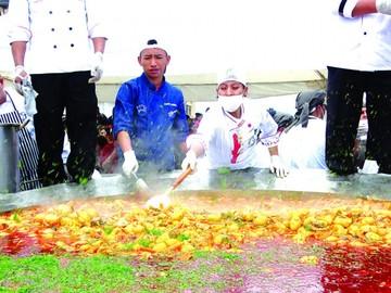 Más de 2.500 comensales degustan picana en Sucre