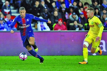 Mbappe devuelve a la victoria al líder París Saint Germain