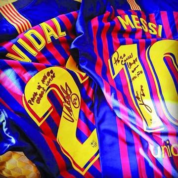 Lampe agradece gesto de Leo Messi y Arturo Vidal