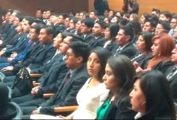 La hija de Evo Morales juró como abogada en la Casa Grande del Pueblo