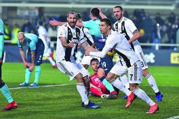 Cristiano evita la primera caída de la Juventus