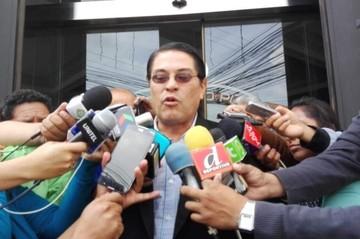 Abogado Pérez presenta demanda contra comité ejecutivo de la FBF