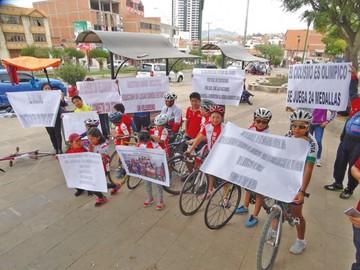 Ciclistas elevan clamor por velódromo