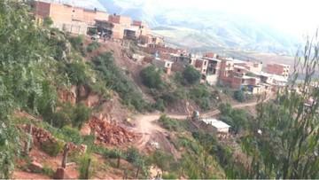 Qhashqa Orck'o: Rocas y problemas   legales impiden constituir el barrio