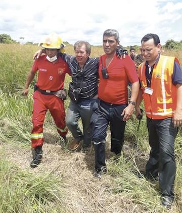 Trinidad: Cae avioneta y  sólo el piloto está herido