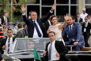 "Bolsonaro promete liberar a Brasil ""de las amarras ideológicas"""
