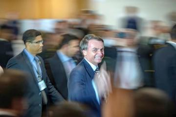 """Bolsonaro inicia su gestión con """"regalo"""" a la agroindustria"""