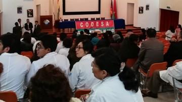 Médicos van al diálogo con el Gobierno, sin suspender paro