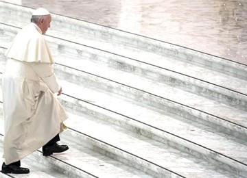El Papa pide a obispos frenar casos de abusos