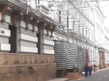 Retoman restauración de fachada