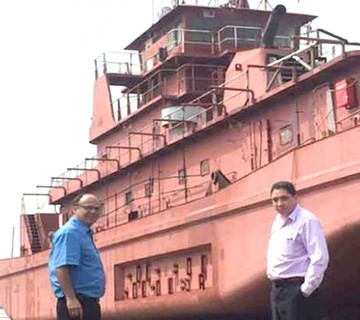 Tribunal reconoce al país como dueño de barcazas